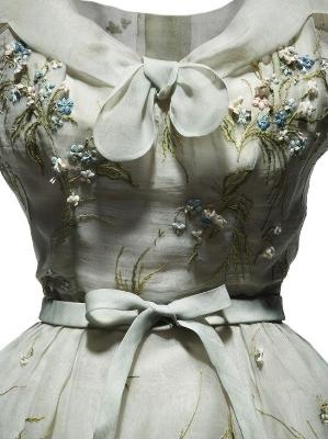 ÝRobe d'après-midi Haute Couture PE 1953, Collection Dior Heritage, Paris©Laziz Hamani