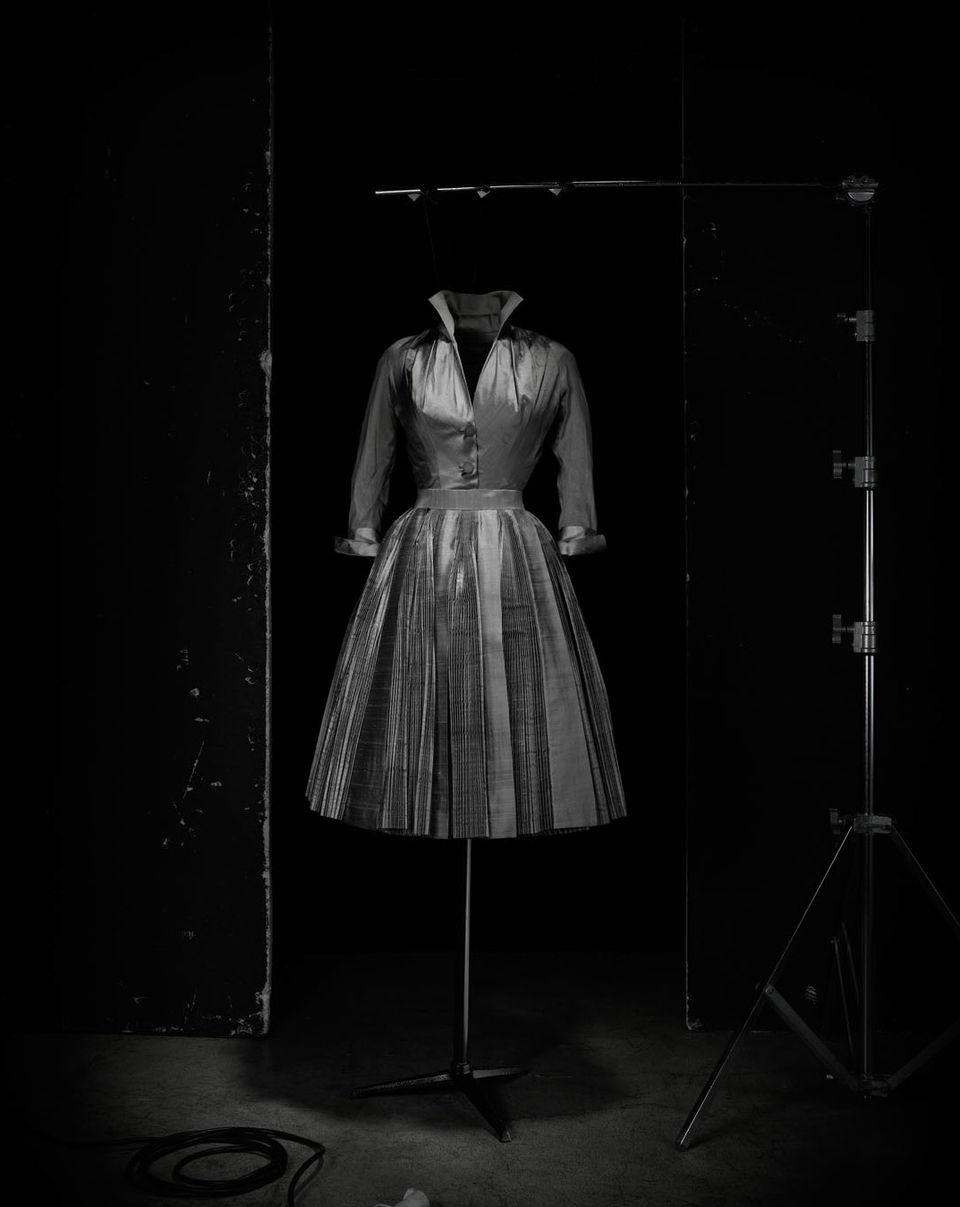 Ensemble de cocktail «Topaze» Haute Couture AH 1951, Collection Musée Christian Dior, Granville © Laziz Hamani