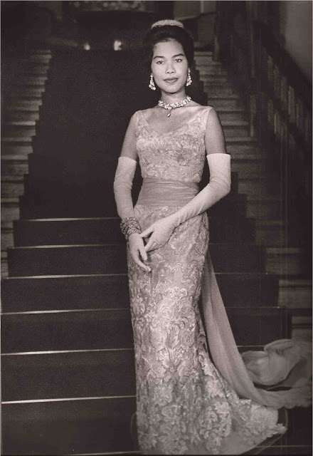 lofficiel-december-1960-7-wearing-balmain.jpg