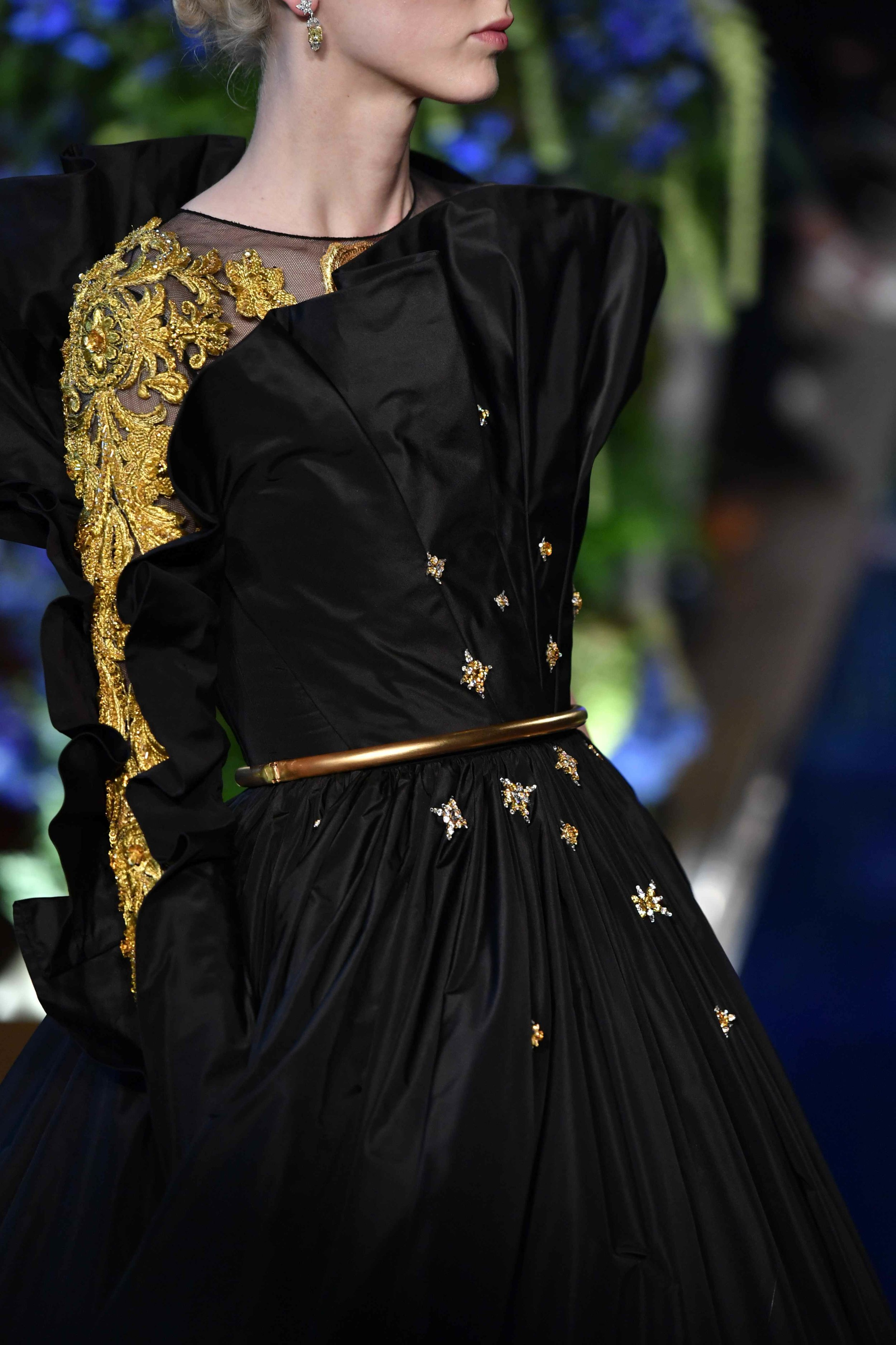 Guo Pei FW17-18 Couture- Details 44.jpg