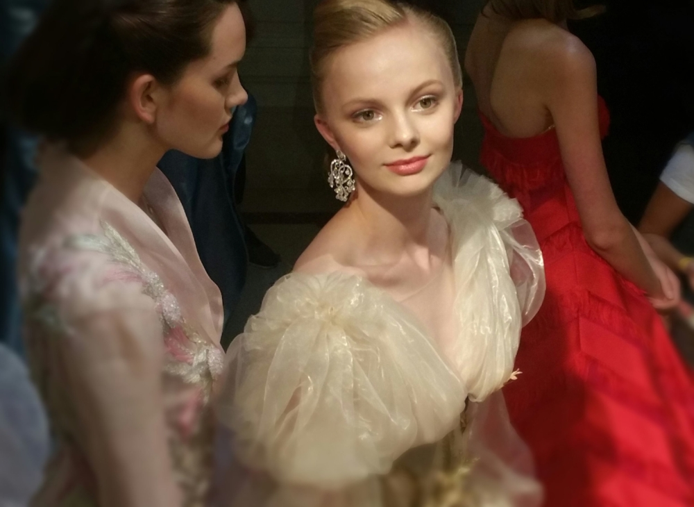 Backstage before the presentation/Photo: @CoutureNotebook
