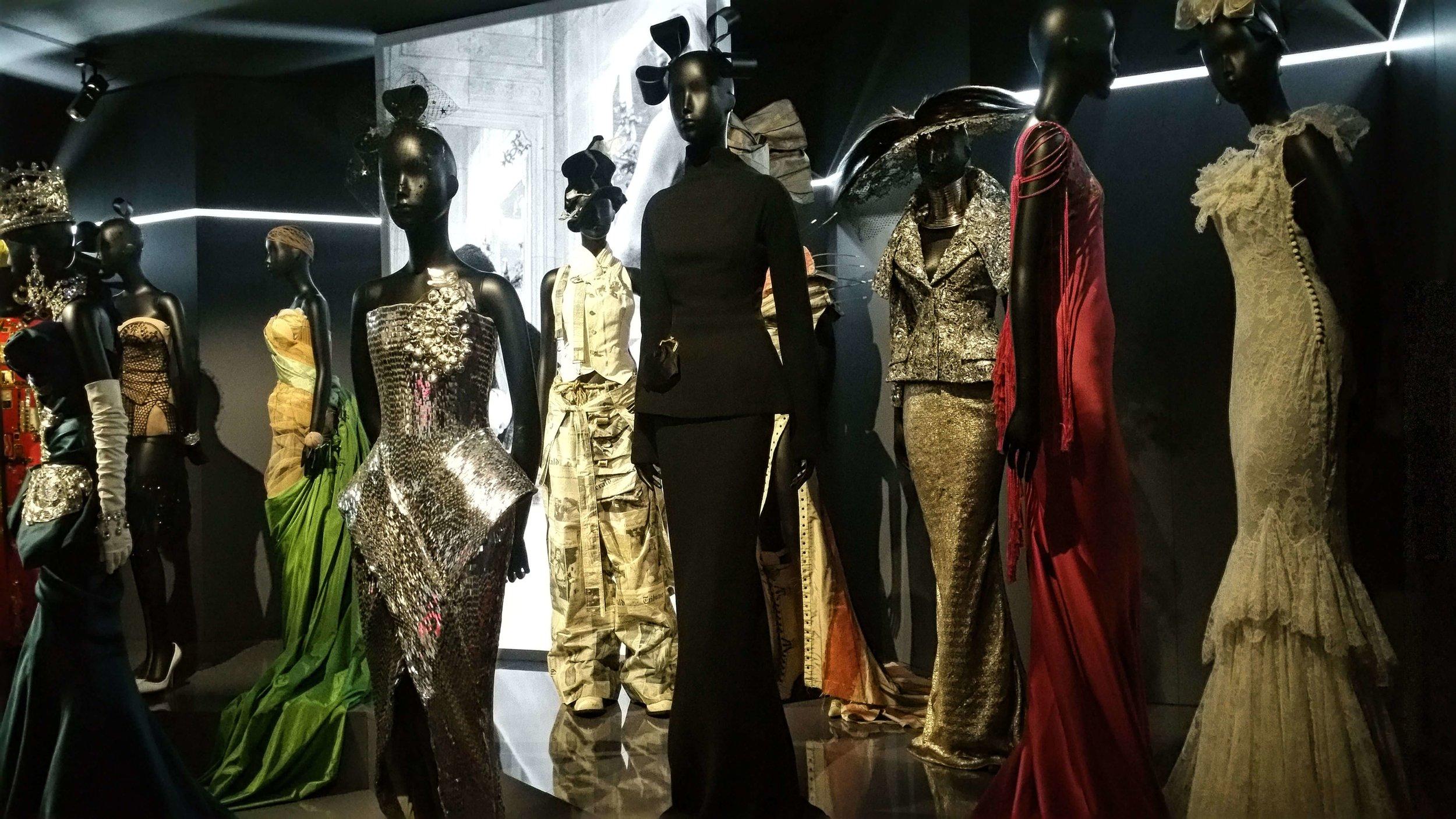 Couturenotebook- Christian Dior Couturier du reve (22).jpg