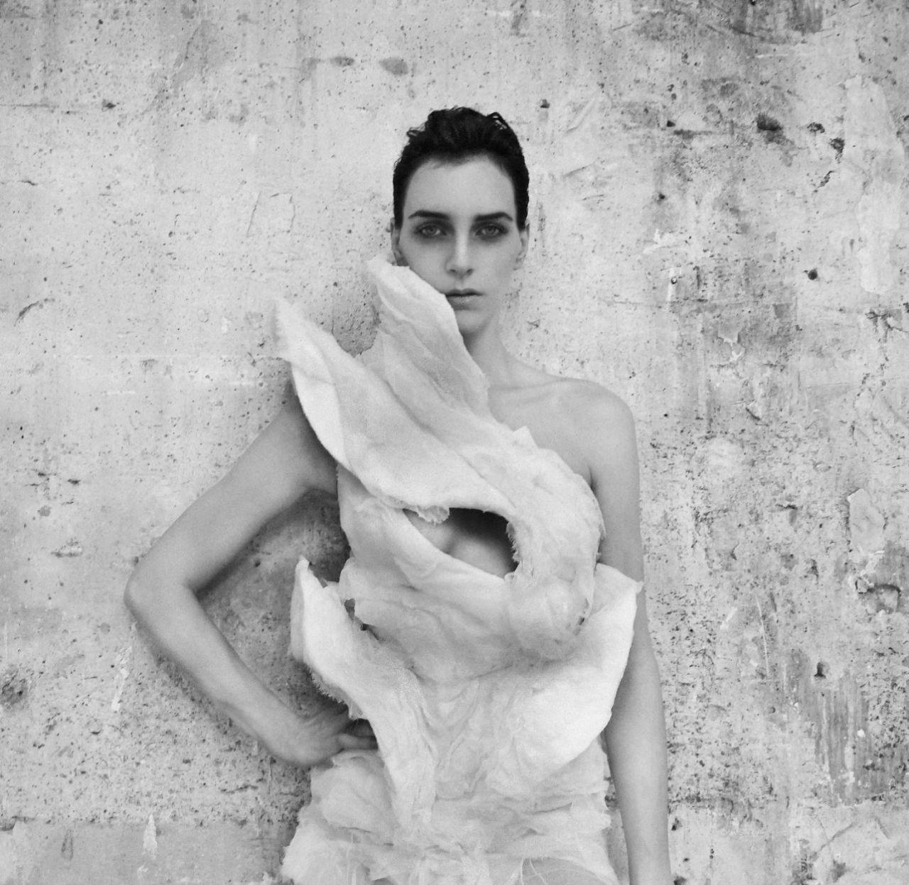 Olivier Theyskens – She Walks in Beauty.jpg