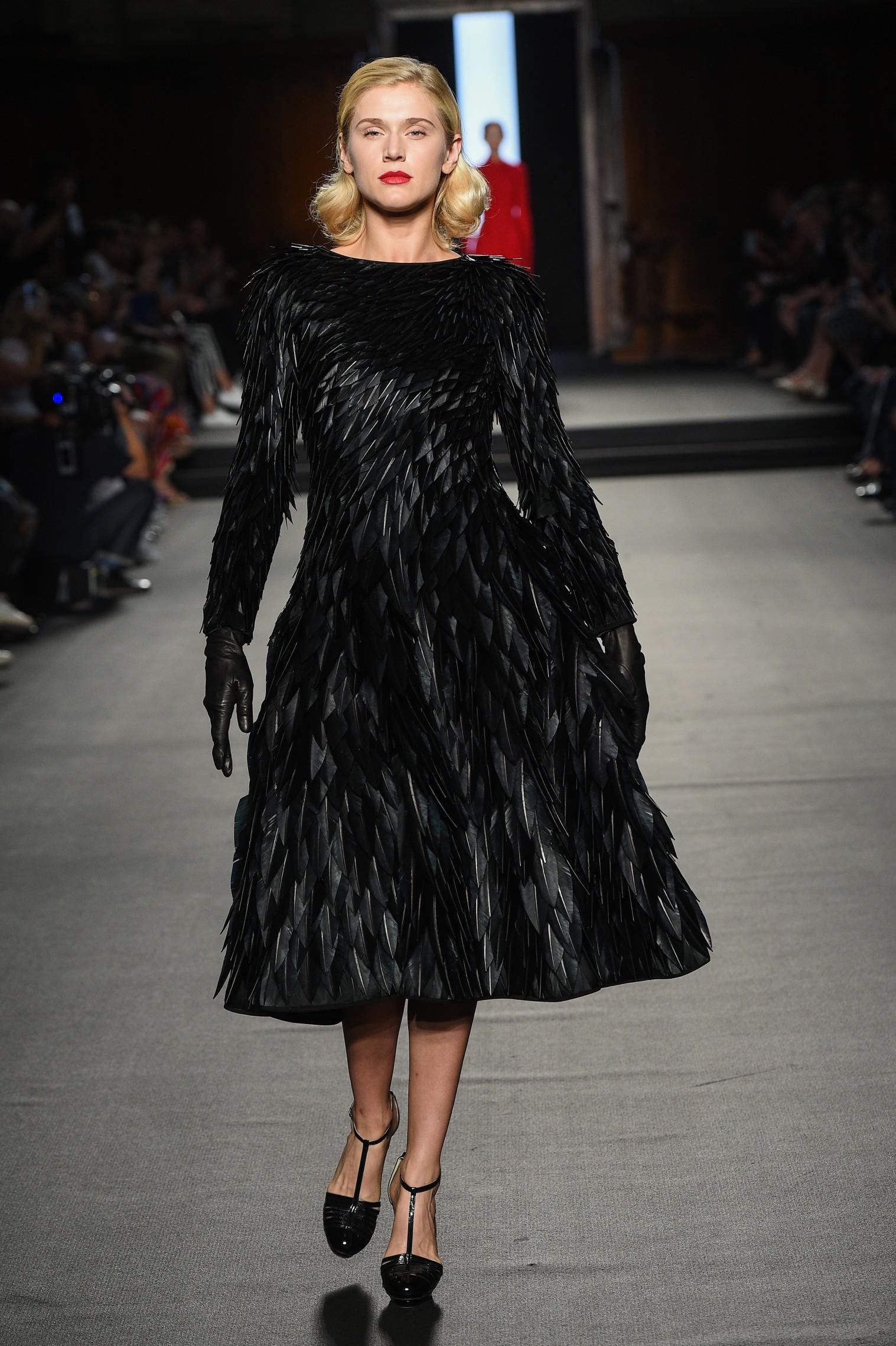 Julien Fournié - Haute Couture FW1819 - 1b.jpg
