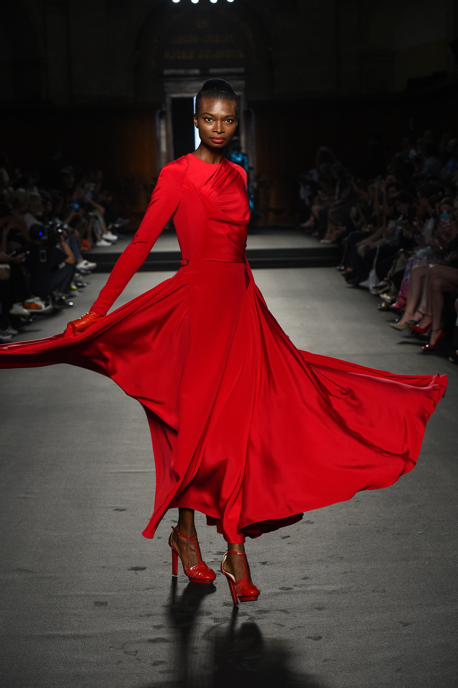 Julien Fournié - Haute Couture FW1819 - 3b.jpg
