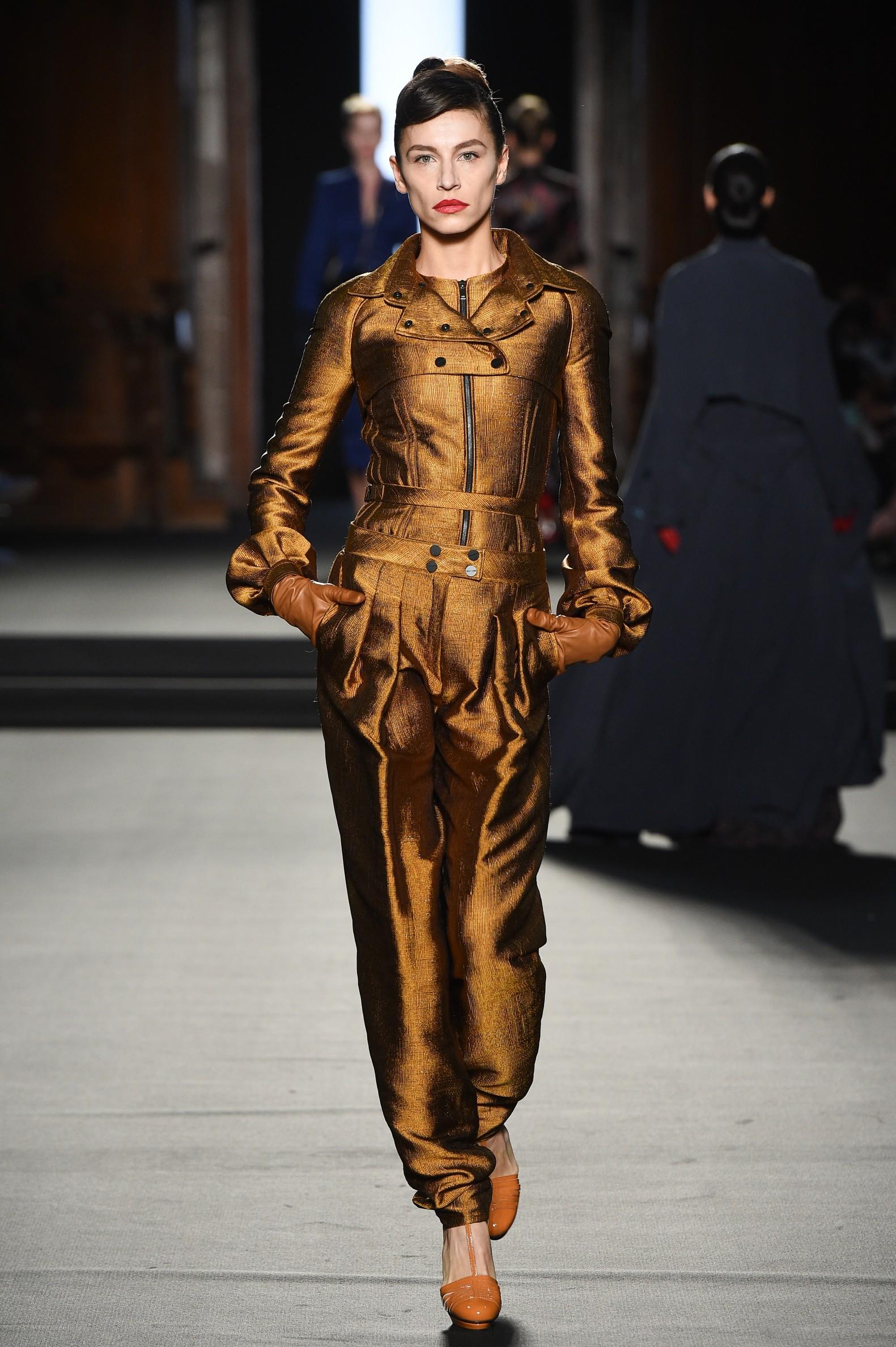 Julien Fournié - Haute Couture FW1819 - 15.jpg