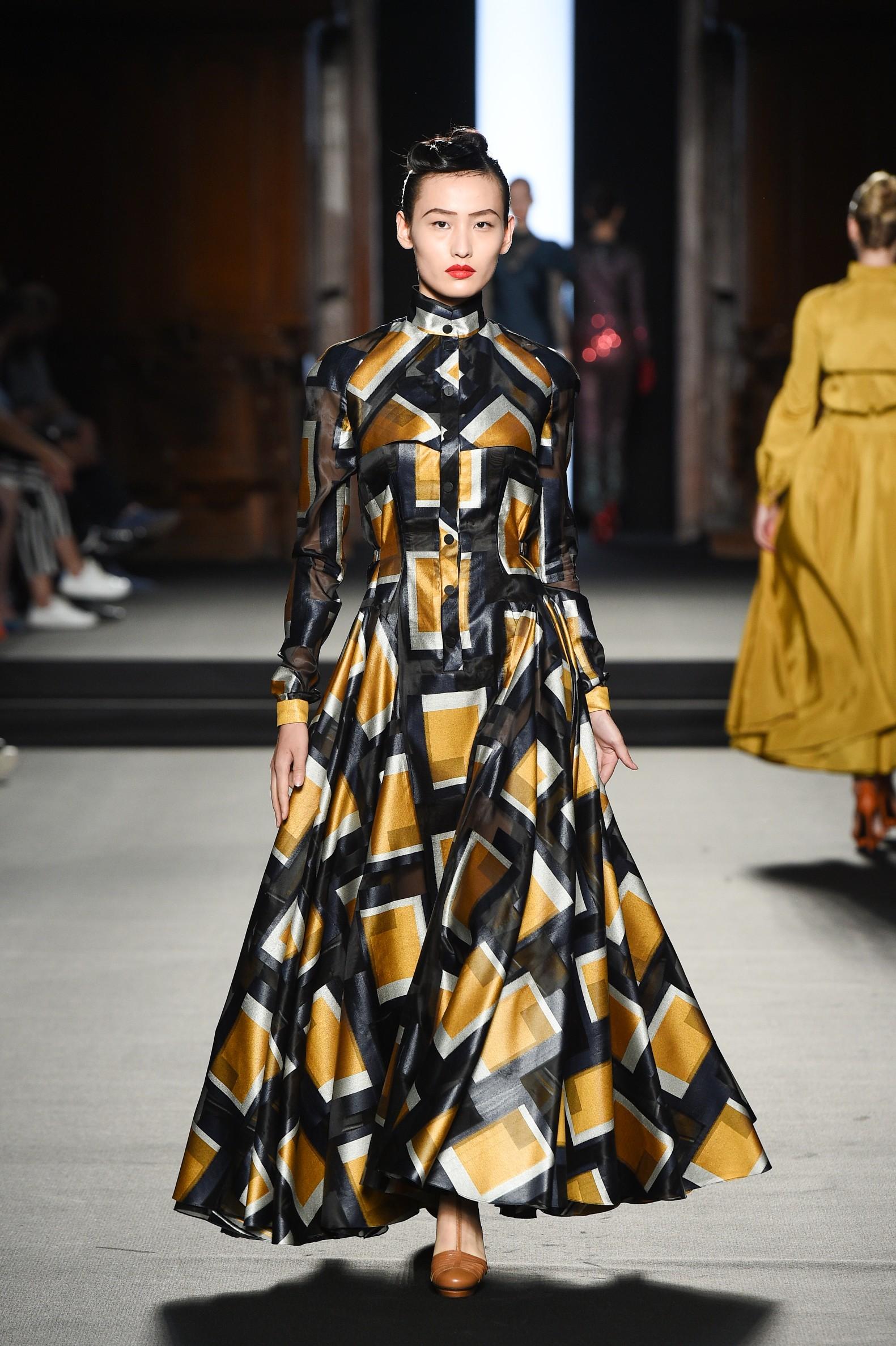 Julien Fournié - Haute Couture FW1819 - 25.jpg