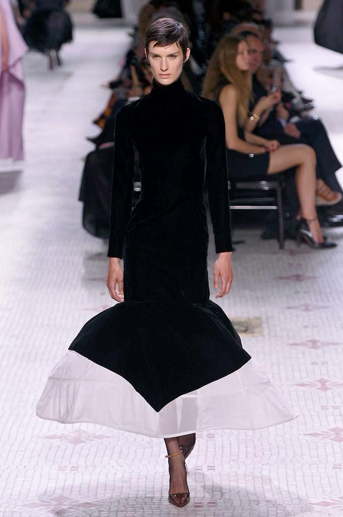 Givenchy_14_isi_1272.jpg