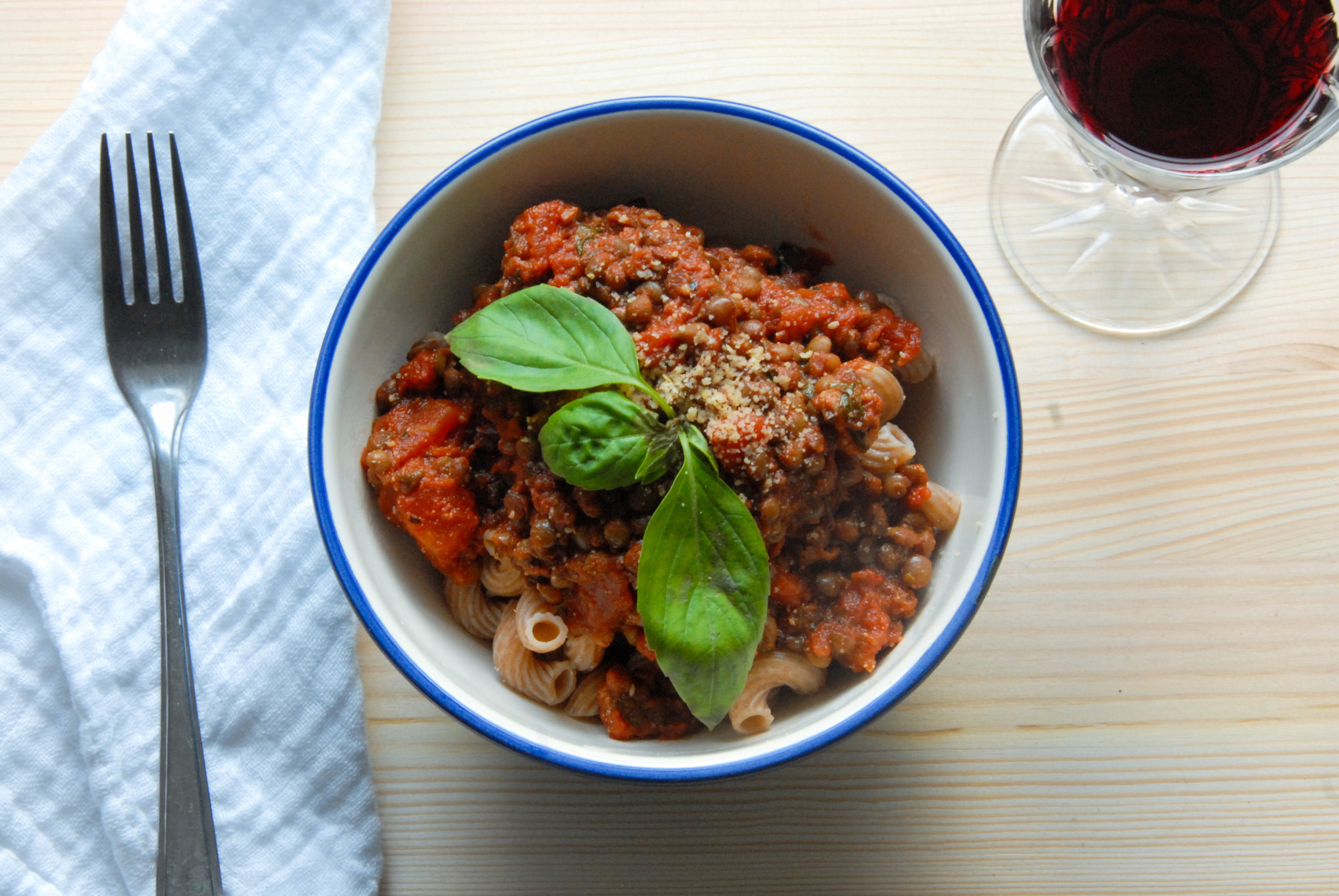Easy Vegan Bolognese Recipe - Bolognese is a classic traditional comfort food, and it turns out that swapping the animal ingredients for plant-based alternatives doesn't sacrifice flavour at all!