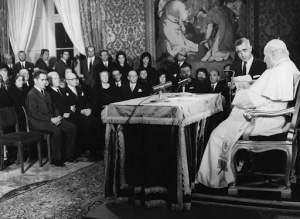 Association members in an audience with Pope John XXIII