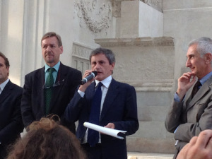 Mayor Gianni Alemanno, Ara Pacis,  ©  Tiffany Parks