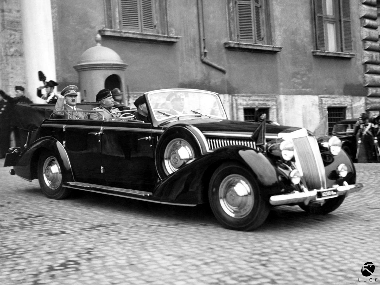 Hitler and Mussolini depart from the Quirinale, 4 May 1938