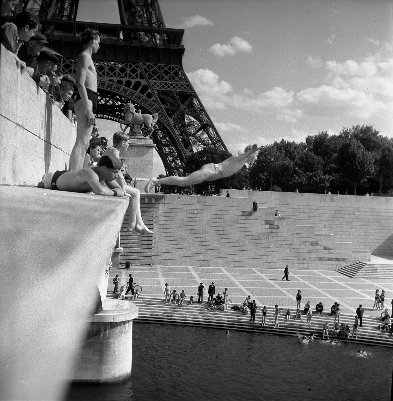 Pont d'Iéna , 1945, © atelier Robert Doisneau