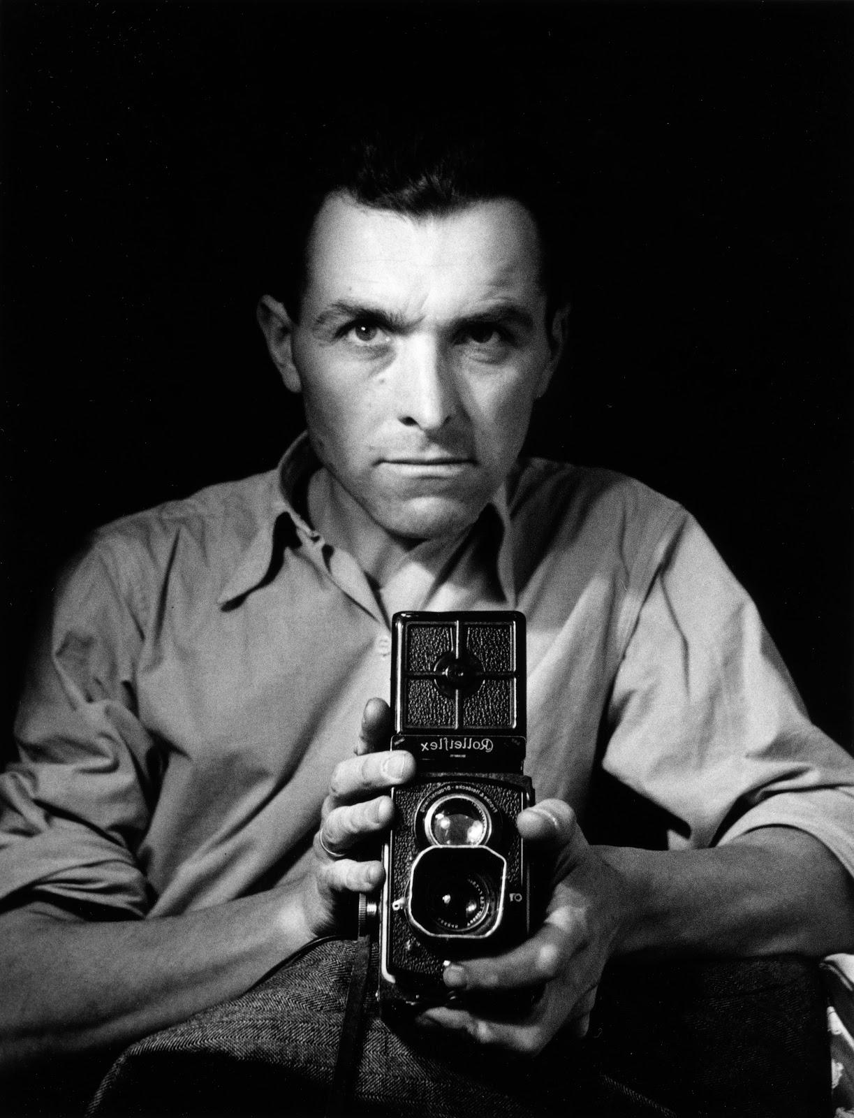Self-portrait with Rolleiflex , 1947, © atelier Robert Doisneau
