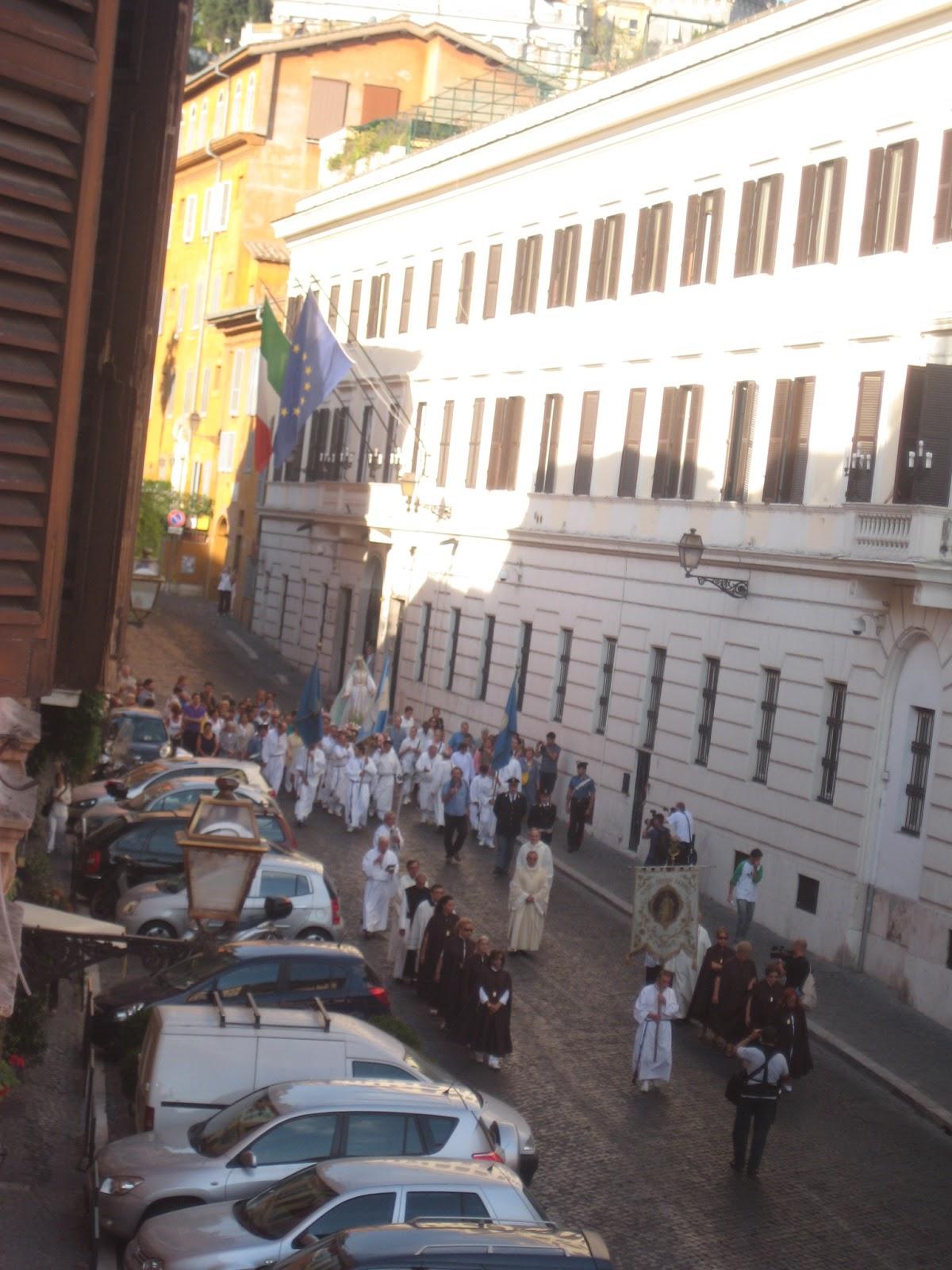 Festa de' Noantri, Via Garibaldi, 2010, Crazy o'clock AM © Tiffany Parks