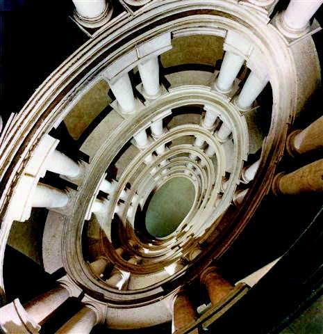 Spiral staircase by Alessandro Specchi, Palazzo de Carolis
