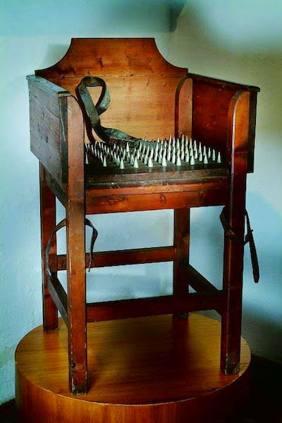 Screw chair (reproduction), Museo di Criminologia, Rome [ source ]