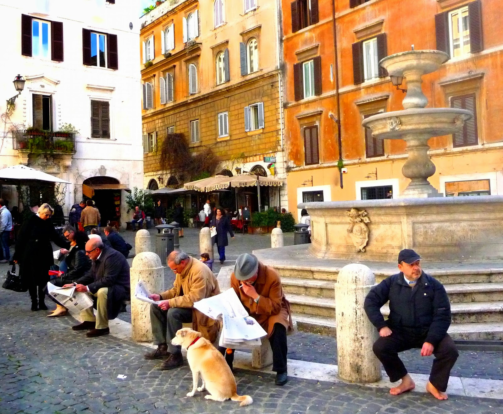 Piazza Madonna dei Monti [ source ]