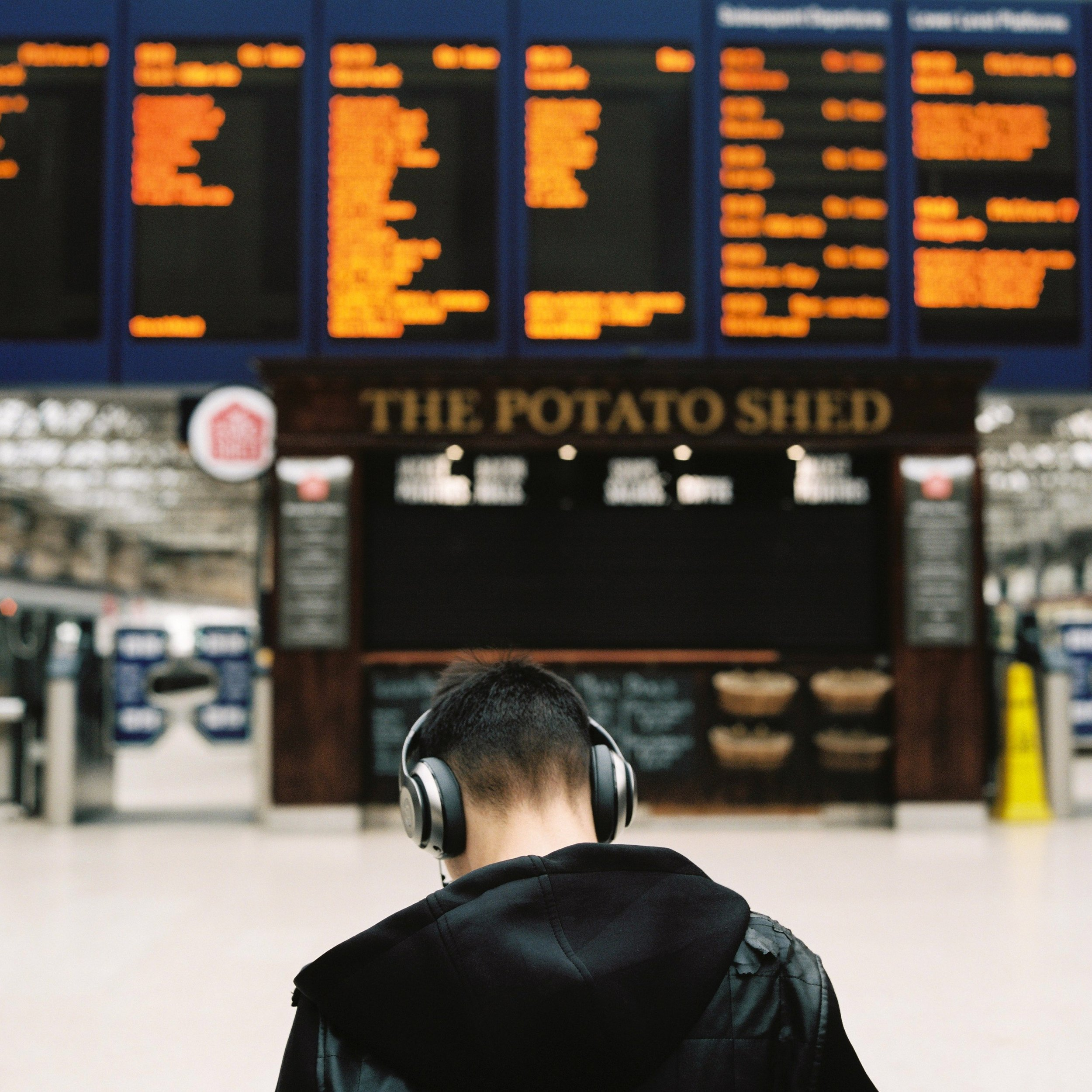 Glasgow train station headphones © Ilya Ilyukhin.jpg