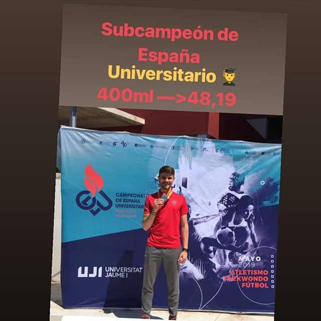 Noche de Champions!!! @halteranuska  @javiier.ss  @fmfsportclinic  @dra_laura_nutrifit  #400m #halterofiliaespaña  #deporte #salud #nutricion #fisioterapia #medicina #ecografia #clinica #entrenamiento #dieta #elite #rfea