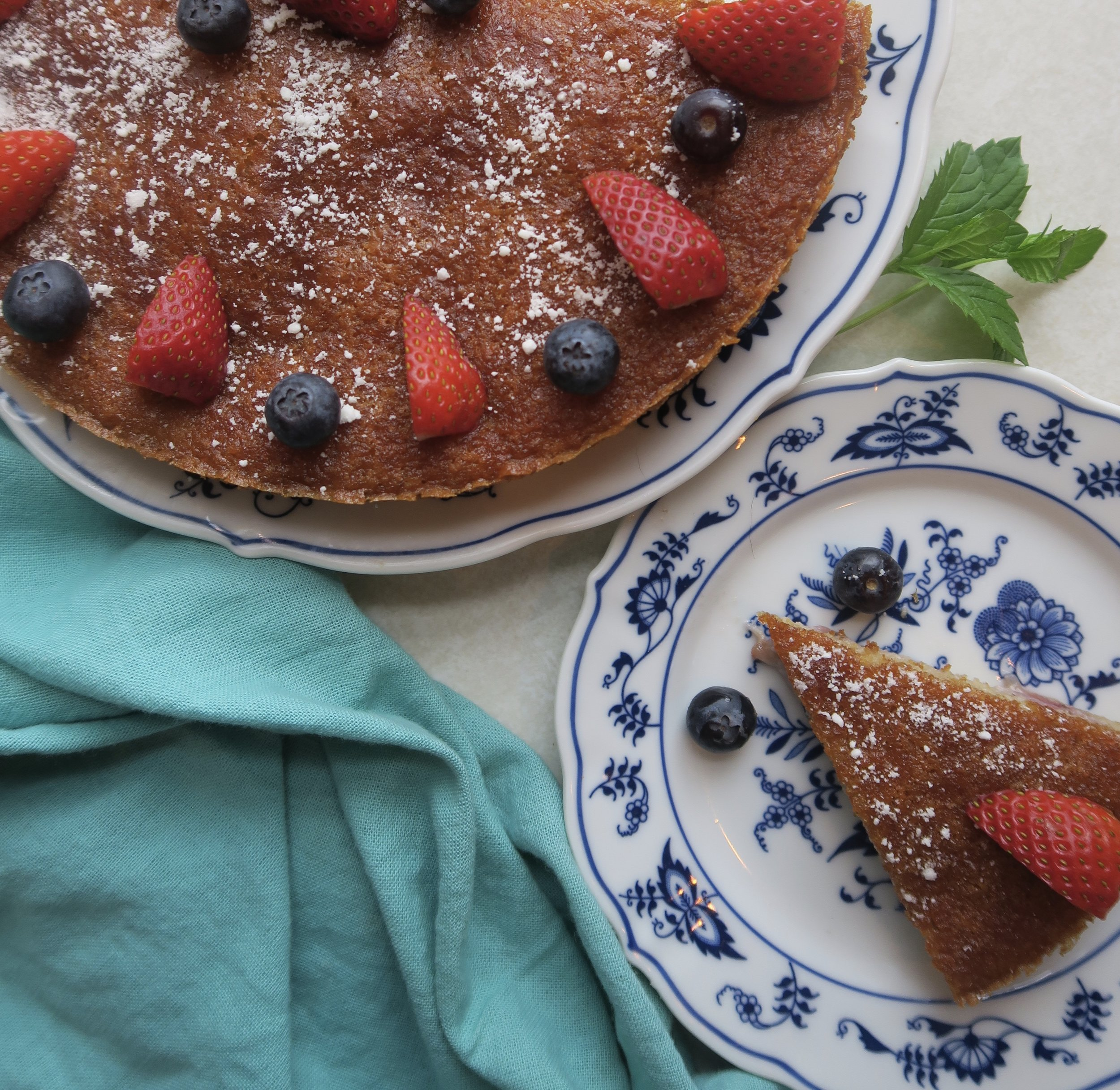 strawberry almond cake, paleo cake, paleo dessert, Lake Superior kitchen, Duluth food