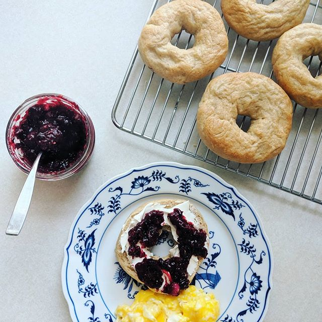 We found so many ripe juneberries on the trails yesterday!  I turned half of them into a honey-sweetened jam this morning for on our bagels.  1 1/3 c berries, 1 1/2 T @ballcanning Real Fruit Pectin, 3 t lemon juice, and about 1/3 c honey.  I boiled it all for about a minute and that's it! I have a recipe for Spelt Bagels on the blog too! . . . #eatlocal #homemade #kidapproved #duluthmn #summerfood #hiking