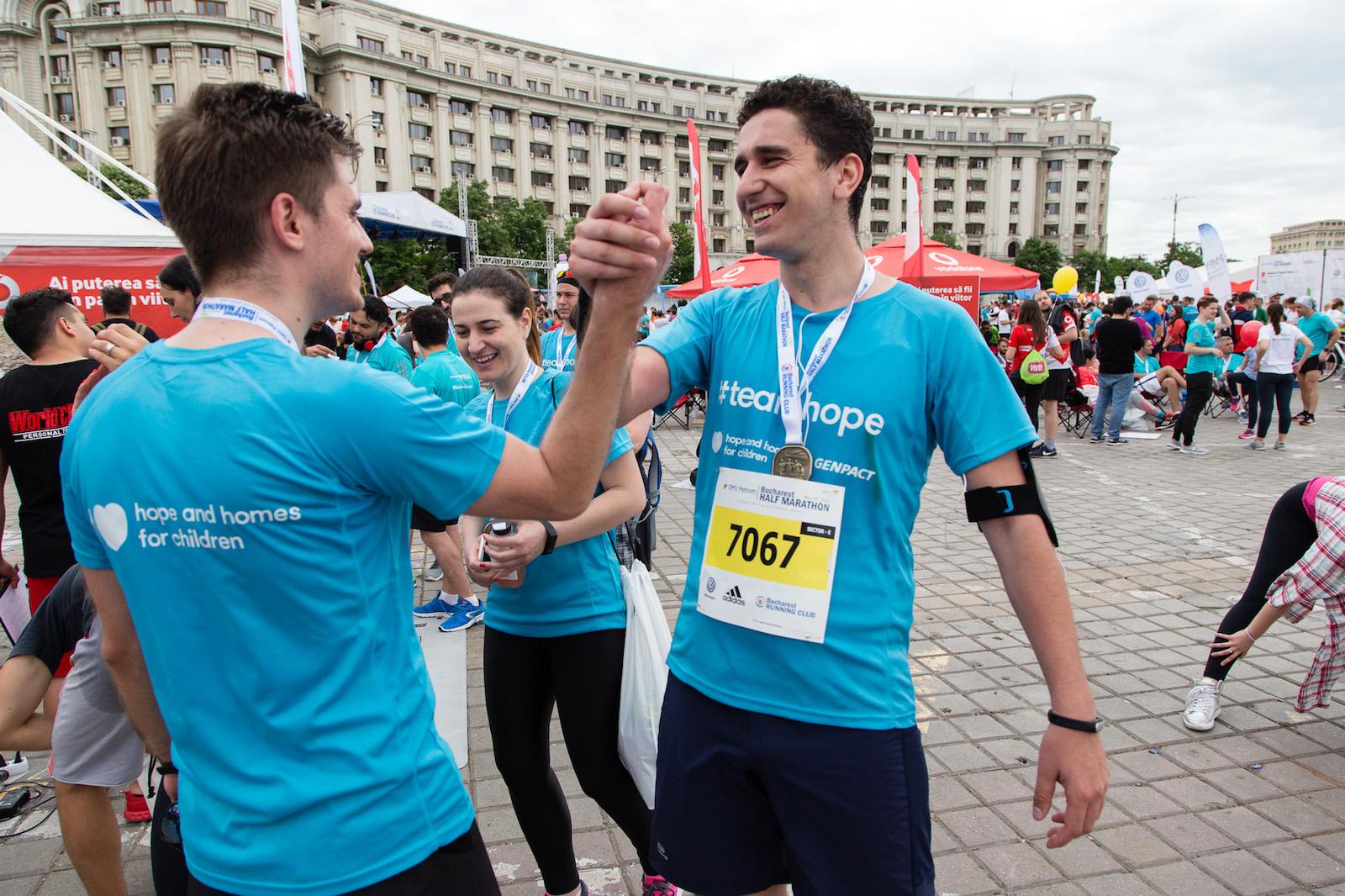 Alergatori Team Hope_Semimaratonul Bucuresti_Foto Mihnea Ciulei.jpg