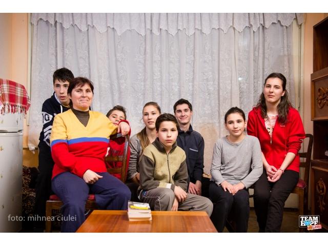 big_familia_b_casa_veche.jpg