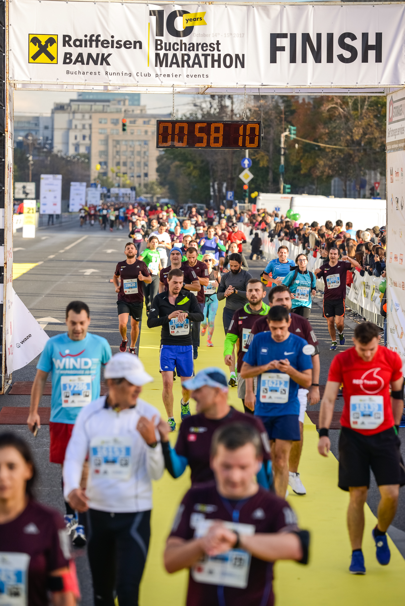 Maratonul Bucuresti_Finish_Foto Radu Fugarescu.jpg