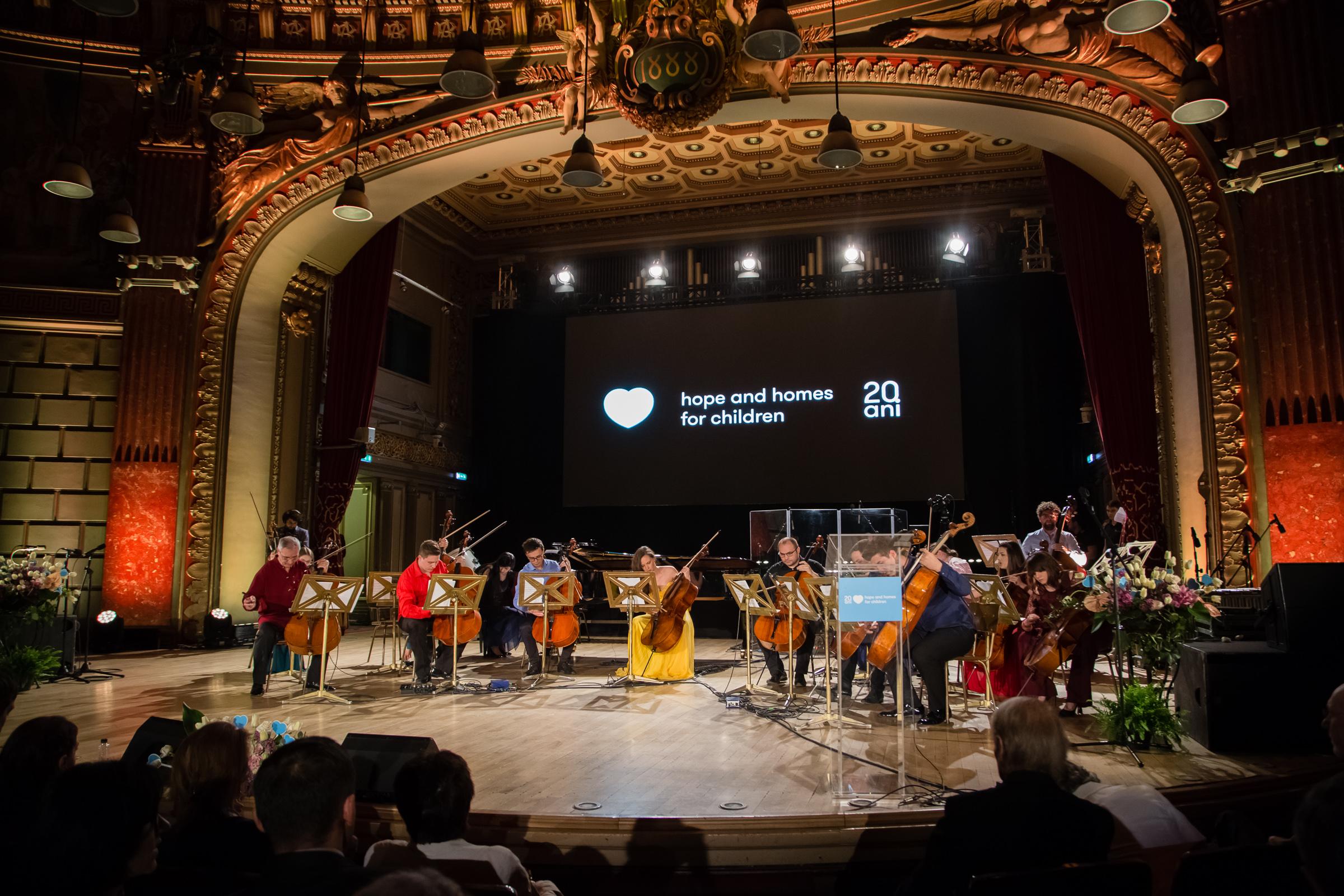 Ansamblul Violoncellissimo_Hope Concert 2018_Foto Mihnea Ciulei.jpg