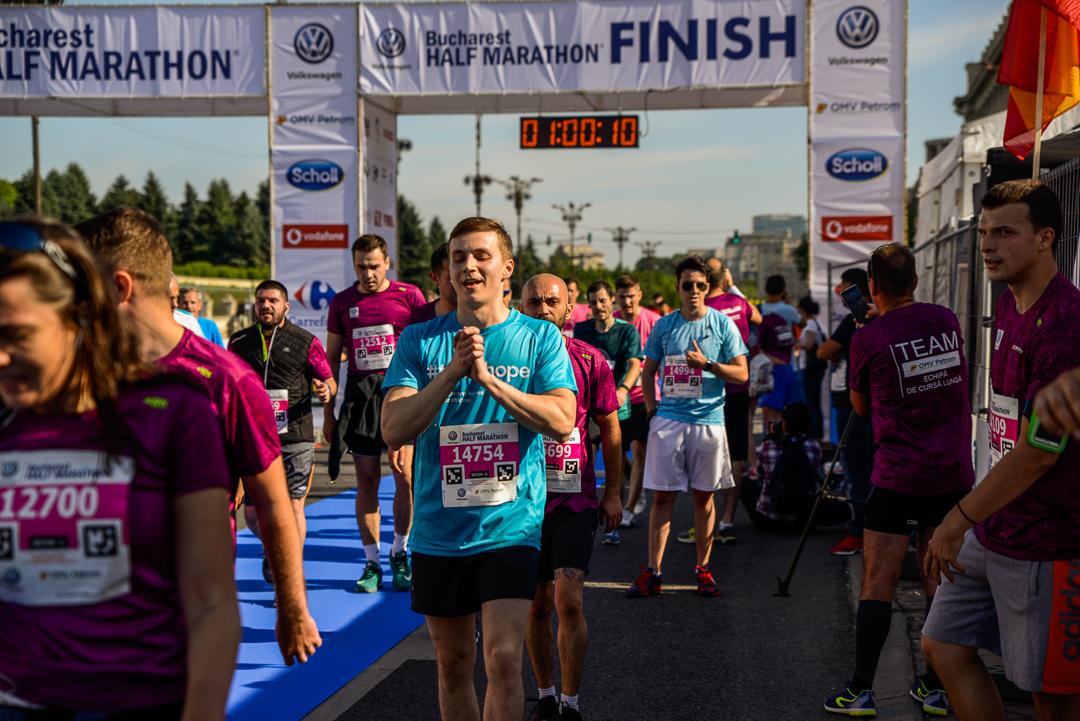 Alergatori Team Hope_Semimaratonul Bucuresti_04_Foto Radu Fugarescu.jpg