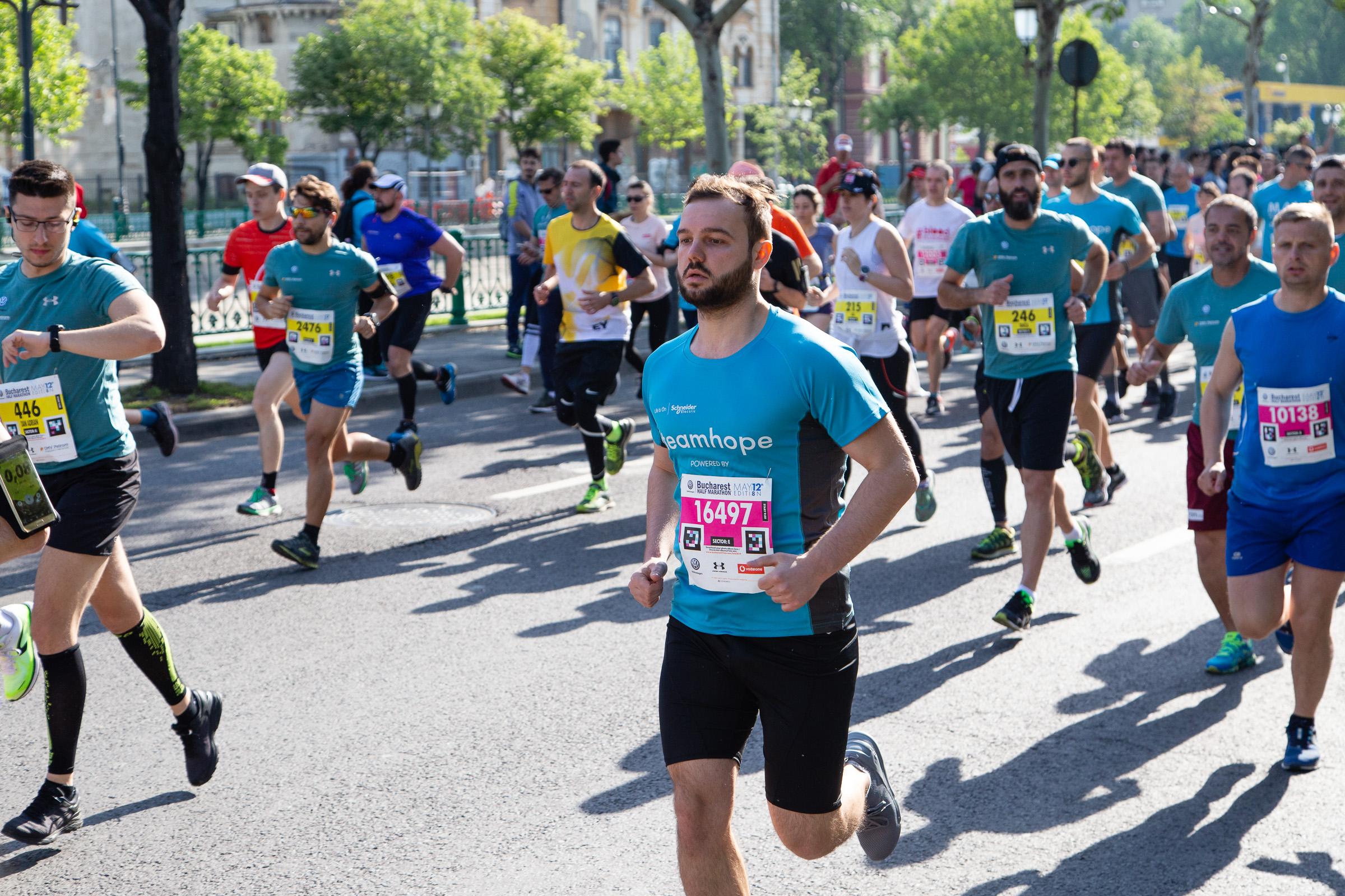Alergator Team Hope_Semimaratonul Bucuresti_01_Foto MIhnea Ciulei.jpg