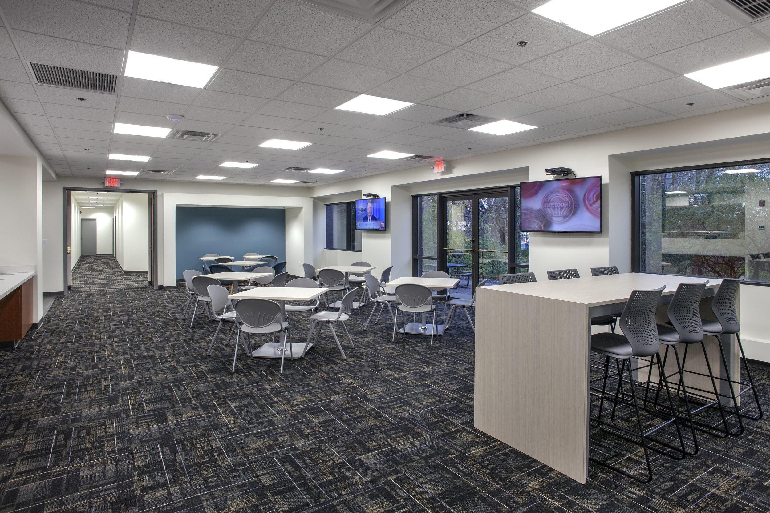 Cafe Seating | Vanderbilt Properties