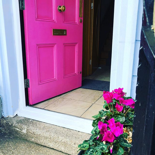 #pinkdoor #pinkflowers #colour #georgianhouse  #boutiquehotels  #cardiffbay  #autumndecor #antiquemodern  #class  #smiles #walesonline  #mermaidquay