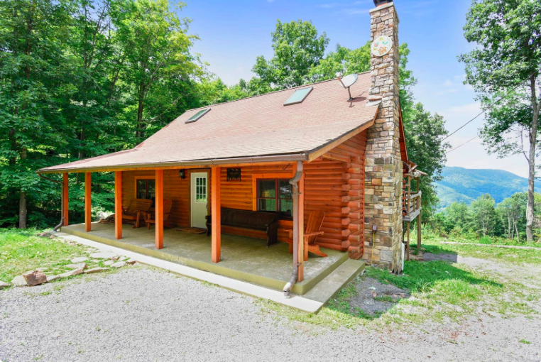 Secluded, luxury cabin in the mountains of wild West Virginia. The home is in Monongahela State Park and will require a 4 wheel drive vehicle to get up the mountain driveway in snowy weather. Car pooling recommended and I can help facilitate. We will also have a truck on hand to help, if needed. There will be 2-3 car spots at the bottom of the mountain on the property should you need to leave your car.