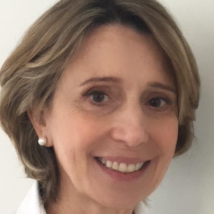 Prof. Cristina Abrami - CREF 015308-G/SPEducadora FísicaContato (11) 3159-1937 / (11) 94470-1937www.cgpapilates.com.br