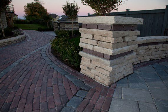 8 Masonry Ideas to Add Drama to Your South Londonderry, PA, Walkways