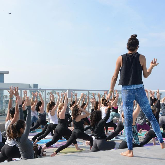 What better way to celebrate the beginning of summer than a beautiful ROOFTOP YOGA sesh surrounded by views of the Redondo Beach Marina? @shadehotelrb is hosting + our fav vendors @onda.wellness @harmlessharvest @realurbanwellness @vuoriclothing @drinklumen @ajloveyoga are back with treats! Saturday, June 15th 10a-12p + post party brunch @sealevel_rb! See you there! . . . Hit that bio link for tickets!!