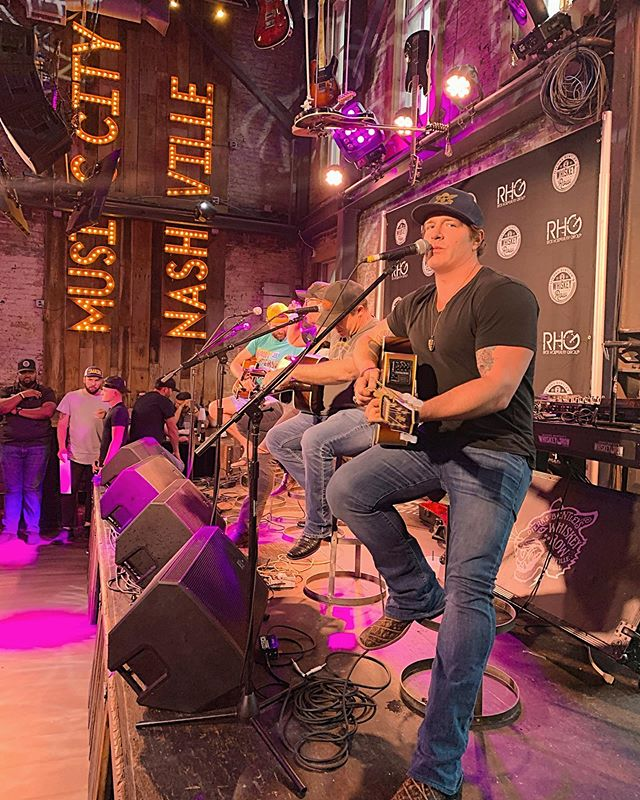 Ever have the feeling someone's watching you? I gotta say, I love that @dierksbentley 's @whiskeyrownashville is now doing songwriter's rounds from time to time. Such a cool place. Always a pleasure to jam with these fellas. #nashville #musiccity #countrymusic #acousticmusic #friends #songwriters #dierksbentley