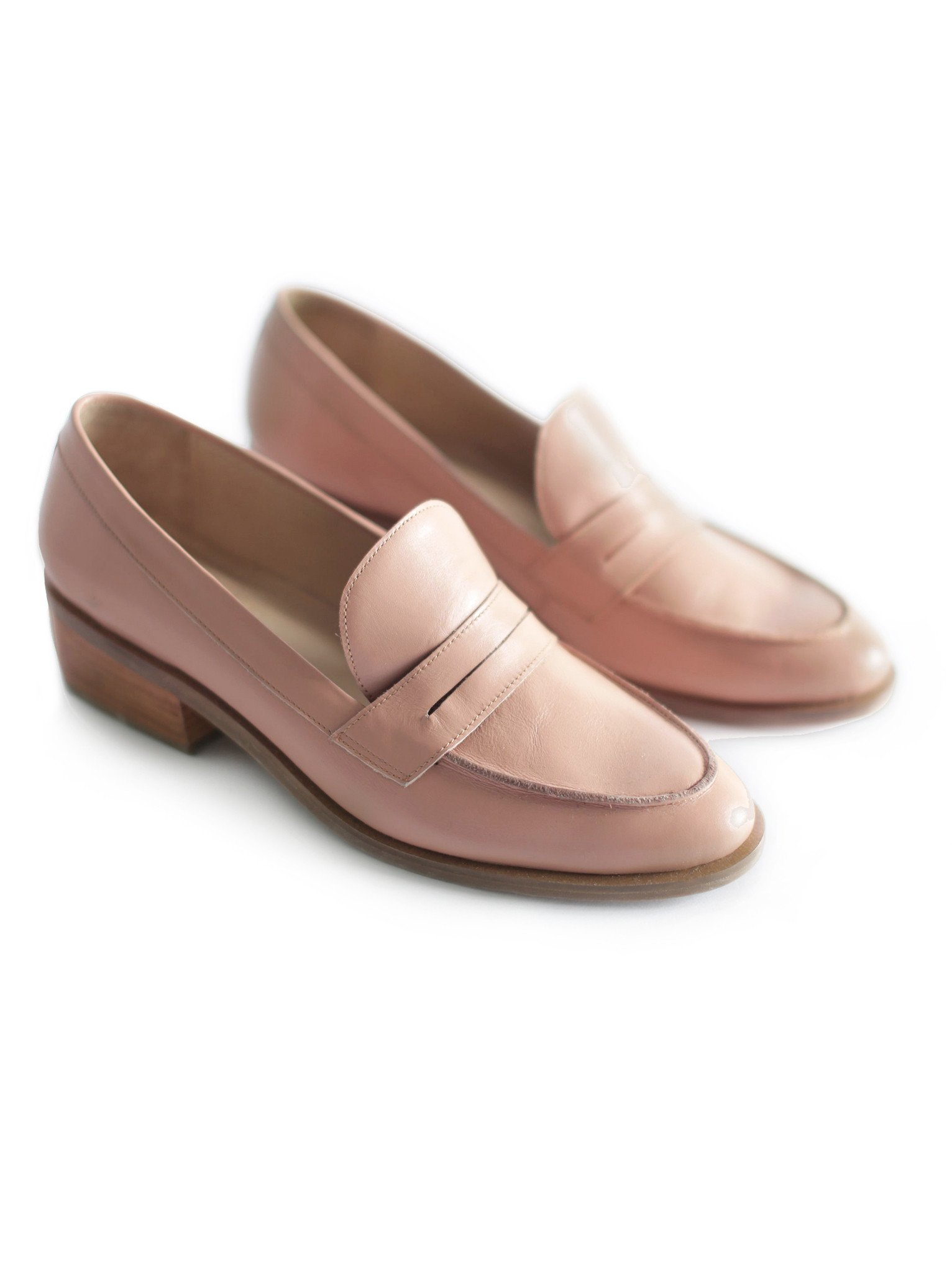 Desert Rose Loafer - ABLE | $118 (on sale!)I had to include these adorable loafers that are perfect for spring. These are on sale so there's limited sizing- grab them before they're gone!