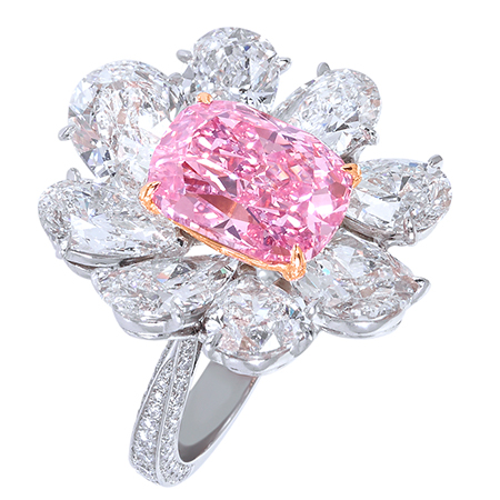 R14064 - Platinum ring with Natural Fancy Vivid pink diamond (5.70cts) and diamonds (11.17cts)..jpg