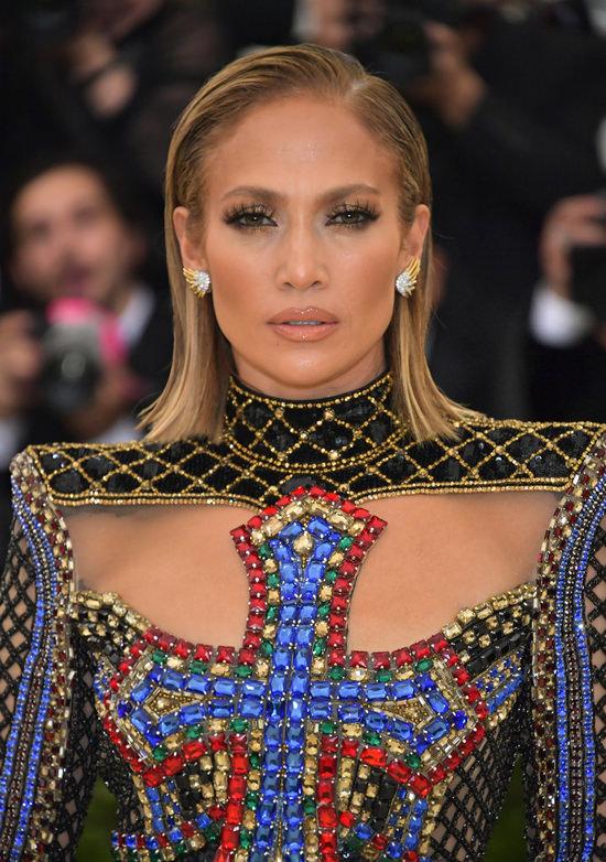 Jennifer-Lopez-Met-Gala-2018-Red-Carpet-Fashion-Balmain-Tom-Lorenzo-Site-3.jpg