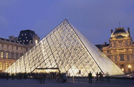 filename-louvre-pyramide.jpg