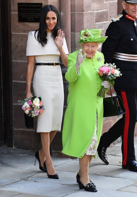meghan-markle-the-duchess-of-sussex-and-queen-elizabeth-ii-first-solo-outing-06-14-2018-17_thumbnail.jpg