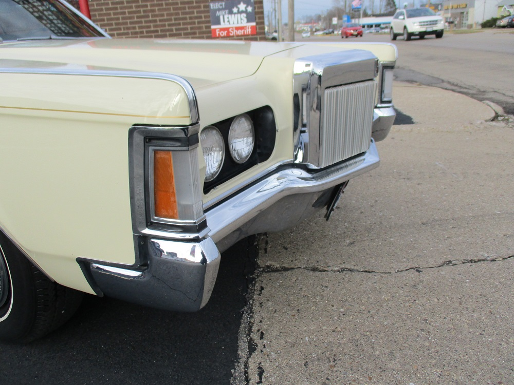 69 Lincoln Continental 056.JPG