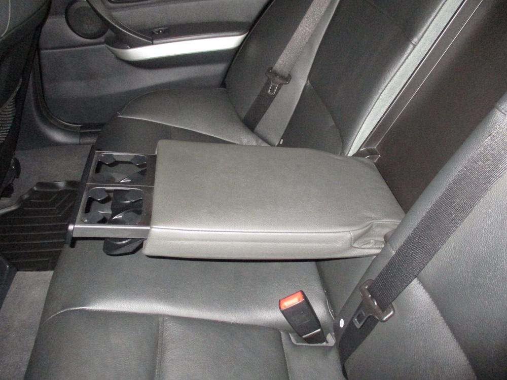 08 BMW 335i 032.JPG