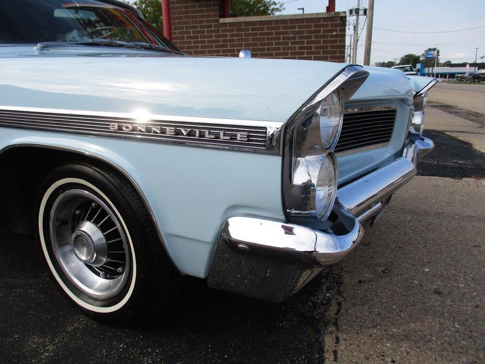 63 Bonneville Convertible 019.JPG
