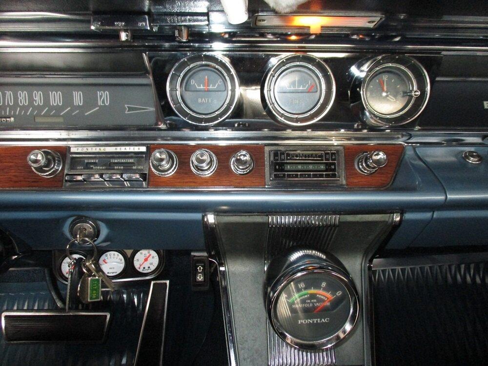 63 Bonneville Convertible 031.JPG