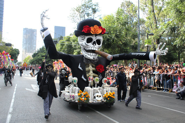Dia de Los Muertos 2016 - Photos from last year's parade and festival in Mexico City.
