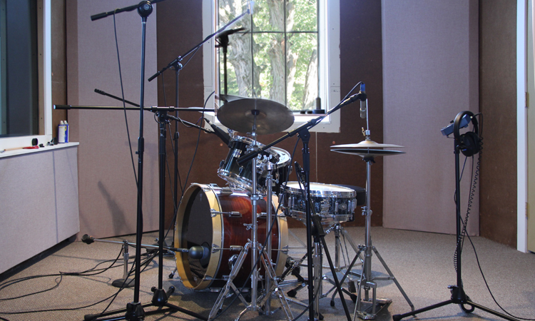 Iso 3, well treated - drums sound very tight here